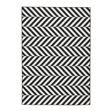 skarrild-rug-flatwoven-in-outdoor-white-black__0659651_pe710867_s31.jpg